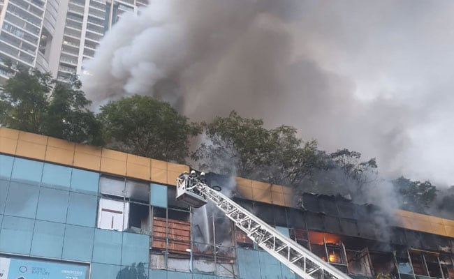 Photo of Fire At Mumbai Mall, 3,500 Residents Evacuated From Next Building