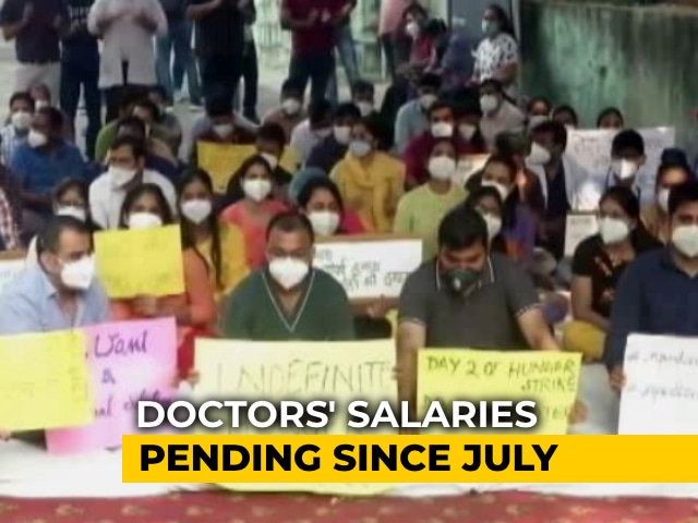 Video : Delhi Doctors Protesting Against No Pay Go On Indefinite Hunger Strike