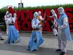 Garba 2020: फैशन डिजाइनिंग के छात्रों ने अनोखी PPE किट गरबा ड्रेस पहनकर किया गरबा, रंगीन दुपट्टों से सजाकर दिया एथनिक टच