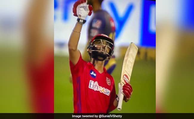 Even after the fathers death, Mandeep Singh played the duty of the player, Virat Kohli reacted on it