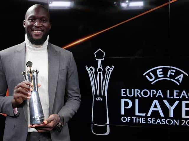 Romelu Lukaku Wins UEFA Europa League Player Of The Season Award