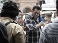 "Salman Khan Can Take Off His Mask On <I>Radhe</i> Sets Because Of Behind-The-Scenes ""Superheroes"""