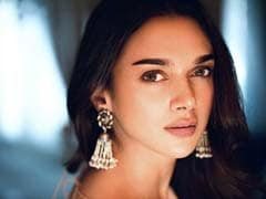 Aditi Rao Hydari Brings In The Festive Vibe With Pretty <i>Jhumkas</i>