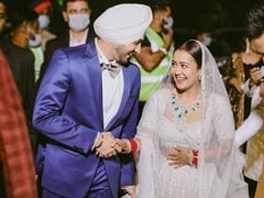 Trending: New Pics From Neha Kakkar And Rohanpreet Singh's Wedding Reception