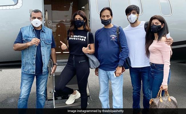 Shilpa Shetty, Paresh Rawal, Meezaan Jaaferi And Pranitha Subhash Fly To Manali For Hungama 2