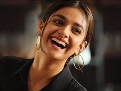 Happy Birthday, Keerthy Suresh: Actress Joins The Cast Of Mahesh Babu's <I>Sarkaru Vaari Paata</i>