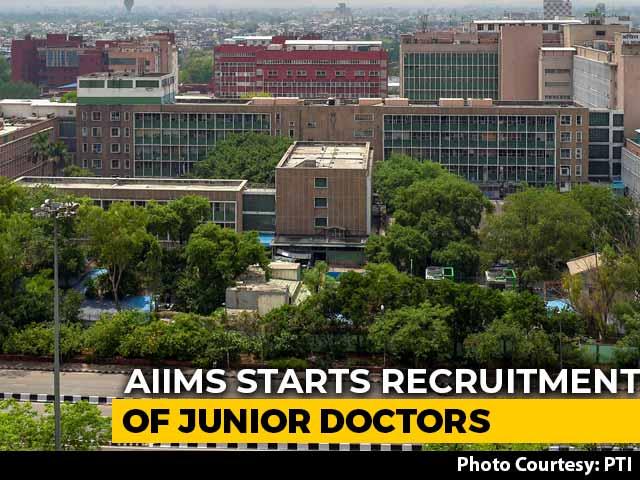 Video: Delhi's AIIMS Starts Recruiting Over 200 Junior Doctors Amid Covid Crisis