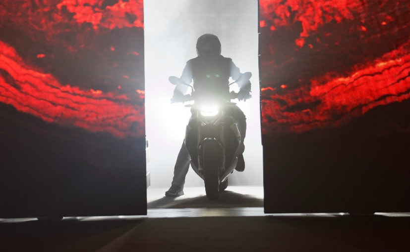 BMW Motorrad will reveal two new roadster motorcycles on November 19, 2020