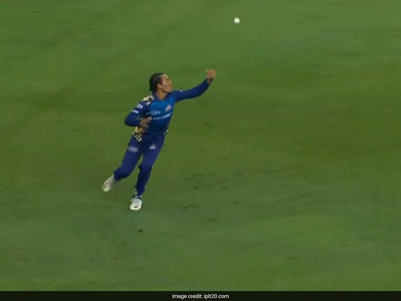IPL 2020: Rahul Chahars Magnificent Juggling Catch In Mumbai Indians Win Over Delhi Capitals. Watch