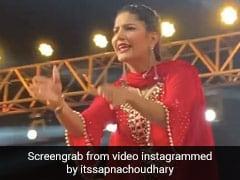 Sapna Choudhary ने स्टेज पर की धमाकेदार वापसी, लाल रंग के सूट में हरियाणवी सॉन्ग पर किया डांस- देखें Video