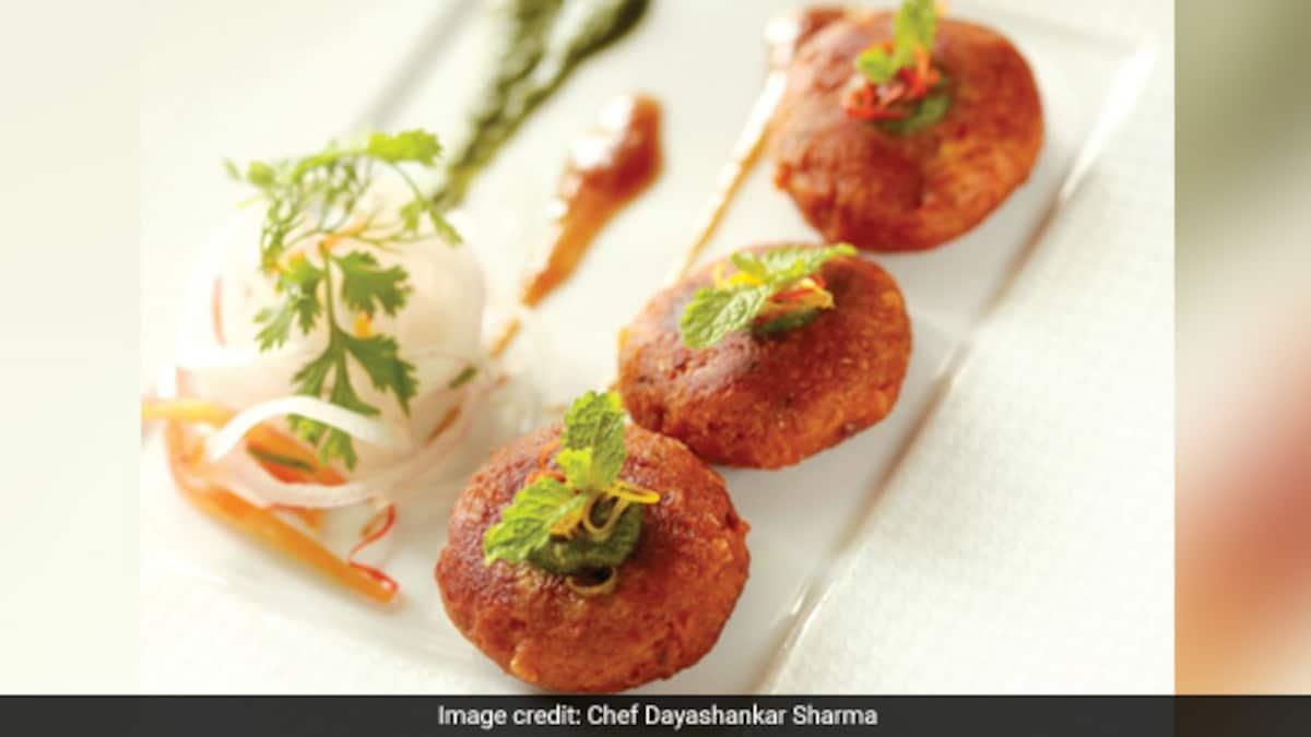 Indian Cooking Tips: How To Make Hyderabadi Shikampuri Kebab At Home