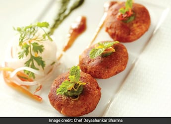 Indian Cooking Tips: How To Make Hyderabadi Shikampuri Kebab At Home