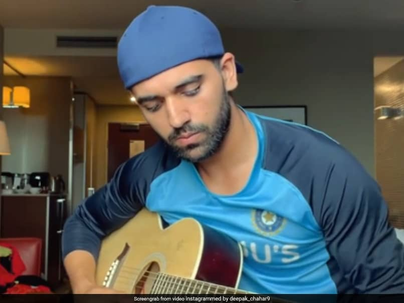 Australia vs India: Deepak Chahar Shows Off Guitar Skills, Plays Shah Rukh Khans Popular Song. Watch
