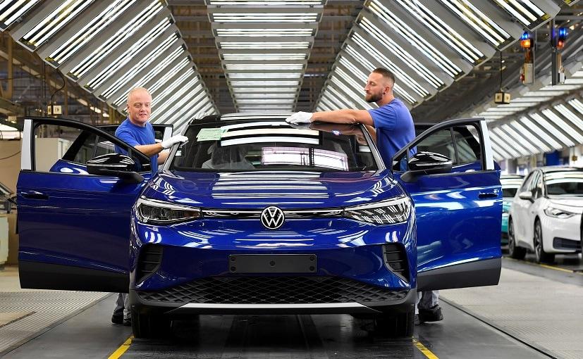 Volkswagen is doubling its spending on digitalisation to 27 billion euros