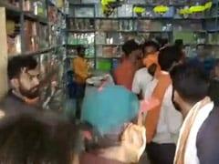 मध्य प्रदेश में पटाखे को लेकर मुस्लिम दुकानदारों को धमकी, घटना कैमरे में कैद
