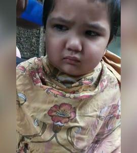 बच्चे ने कटिंग करवाते हुए मचाया बवाल, रोते हुए बोला- 'गुस्सा आ रहा है, तुम्हारे सारे बाल काट दूंगा...' - देखें Video