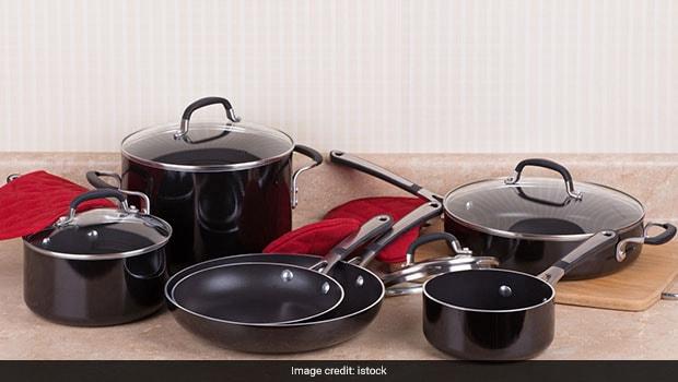 Hochwertige Kochgeschirrsets, die Sie in Ihrer Küche benötigen, unter Rs.2000