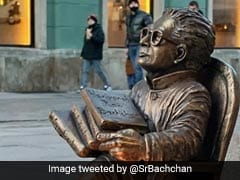 दिवाली पर हरिवंश राय बच्चन की मूर्ति के आगे विदेश में लोगों ने जलाया दिया, तो अमिताभ बच्चन का यूं आया रिएक्शन