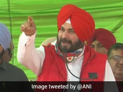 """To Know What's Right..."": Navjot Singh Sidhu Targets Punjab Chief Minister"