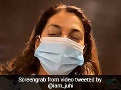 जूही चावला एयरपोर्ट पर खराब व्यवस्था से हुईं नाराज, Video ट्वीट कर बोलीं- बेहद शर्मनाक...