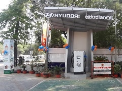 Indian Government's Big EV Push: 69,000 Petrol Pumps To Get Charging Kiosks