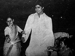 अमिताभ बच्चन ने पुरानी Photo शेयर कर दी दिवाली की बधाई, जया बच्चन के साथ फुलझड़ी जलाते दिखे Big B