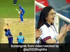 IPL 2020: जसप्रीत बुमराह ने मारा ऐसा बोल्ड, देखते ही नीता अंबानी ने मनाया ऐसा जश्न - देखें पूरा Video