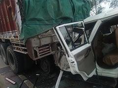 UP के प्रतापगढ़ में कार और ट्रक की भीषण टक्कर, 6 बच्चों समेत 14 की मौत