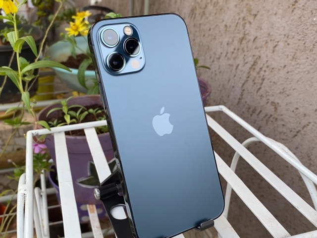 Videos : आईफोन 12 प्रो रिव्यू: आईफोन 12 से कितना बेहतर?