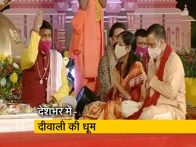 Videos : केजरीवाल ने मनाई दिल्ली की दीवाली, नीतीश की जलाए दीप तो ममता ने की काली पूजा
