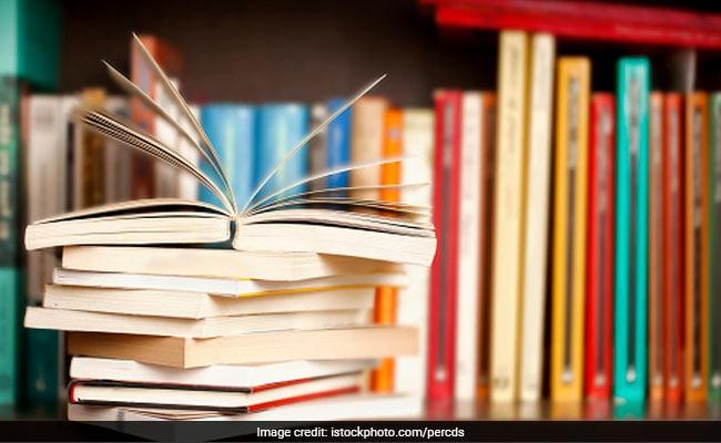 न्यूयॉर्क टाइम्स की वर्ष 2020 की 100 उल्लेखनीय किताबों की सूची में तीन भारतीय लेखक शामिल