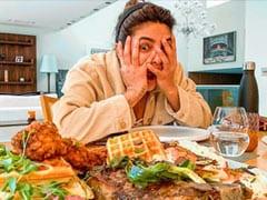 प्रियंका चोपड़ा ने खाने से सजी टेबल को देखकर दिया क्यूट सा एक्सप्रेशन, राजकुमार राव ने लिखा- आप सब खत्म कर सकती हैं