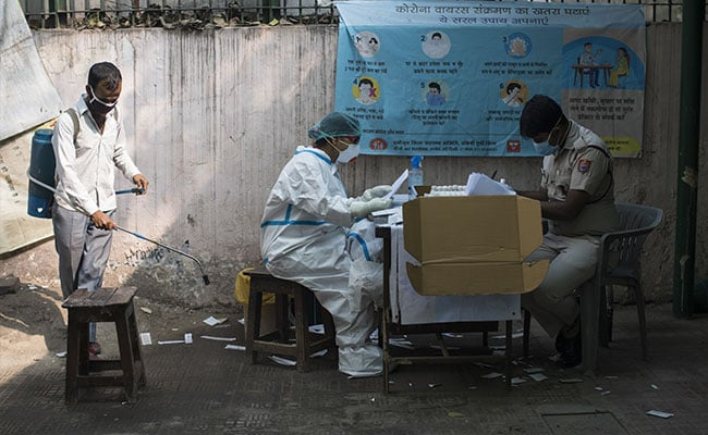 1 Crore Healthcare Workers To Receive COVID-19 Vaccine In First Phase: Report