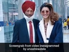 Urvashi Rautela ने एयरपोर्ट पर मिल्खा सिंह को देख छू लिये उनके पैर, फिर यूं साथ क्लिक कराई फोटो- Viral हुआ Video