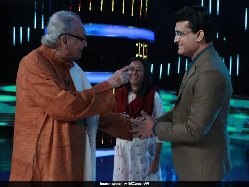 Veteran actor Soumitra Chatterjee passes away at 85