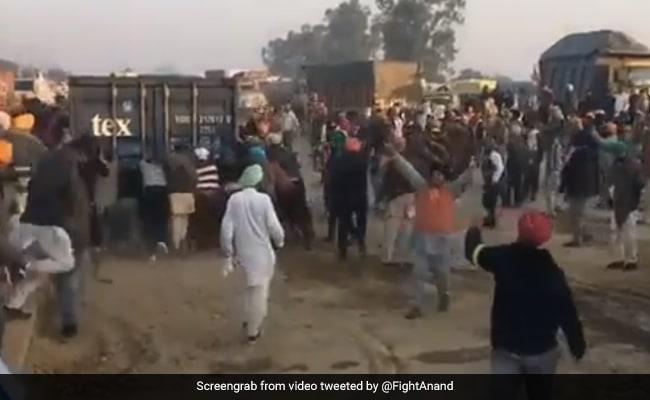 Farmers' 'Ingenious' Way Of Breaking Through Hurdle Is Hit On Twitter