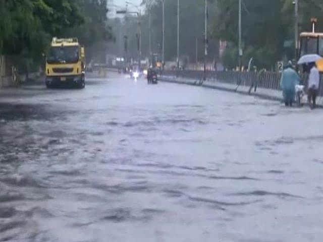 Video : Cyclone Nivar Weakens, But Heavy Rain In Chennai, Puducherry