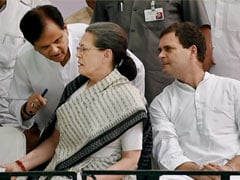 """Irreplaceable Comrade"": Sonia Gandhi Mourns ""Friend"" Ahmed Patel"