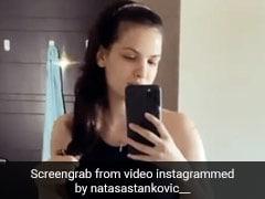 नताशा स्टेनकोविक ने खुद को शीशे में देख यूं दिया पोज, Video शेयर कर खोला प्रेग्नेंसी के बाद भी फिट रहने का राज