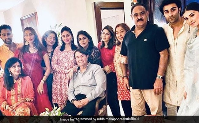 Inside The Kapoors' Family Dinner With Kareena, Neetu-Riddhima, Aadar Jain-Tara Sutaria And Others
