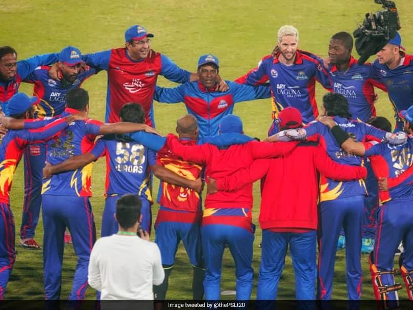 Pakistan Super League 2020: Wasim Akram, Karachi Kings Dedicate Title Win To Dean Jones. Watch