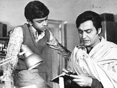 """You Will Be Missed, Feluda"": Heartbroken, Twitter Mourns Soumitra Chatterjee"