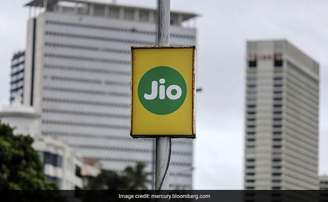 How Mukesh Ambani Is Using Jio Model To Take On Amazon