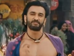 Raj Kundra's ROFL Shortcut To Abs Has A Ranveer Singh Connection