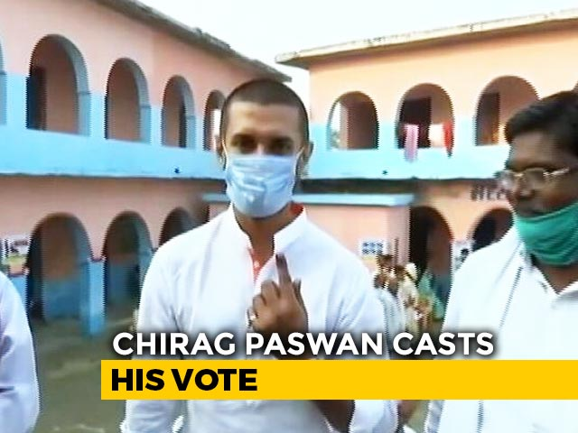 Video : Lok Janshakti Party's Chirag Paswan Casts Vote In Early Morning Polling