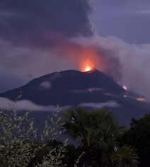 Volcano Erupts In Indonesia, Spews Smoke 4 Km High; Thousands Evacuated