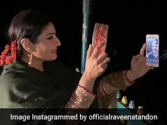 रवीना टंडन ने वीडियो कॉल पर पति का चेहरा देखकर खोला करवा चौथ का व्रत, फोटो हुई वायरल