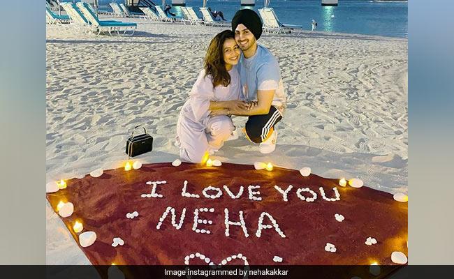 नेहा कक्कड़ और रोहनप्रीत सिंह दुबई में हनीमून से पिक्स पोस्ट