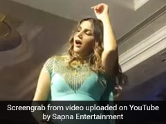Sapna Choudhary ने नए लुक में स्टेज पर किया जोरदार डांस, देसी क्वीन के Video ने मचाई धूम