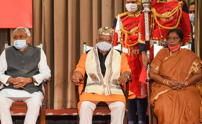 नीतीश कुमार फिर बने बिहार के सीएम, बीजेपी से दो उप मुख्यमंत्री, 10 बातें...